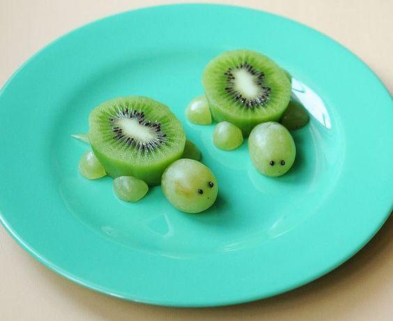 tartarughe_kiwi_uva_bambini_frutta_mangiare_ninakina