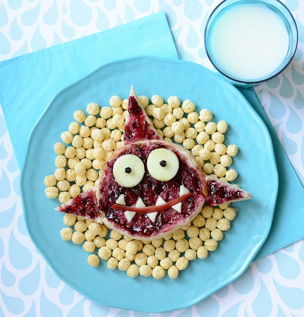 squalo_ninakina_frutta_mangiare_bambini_piatto