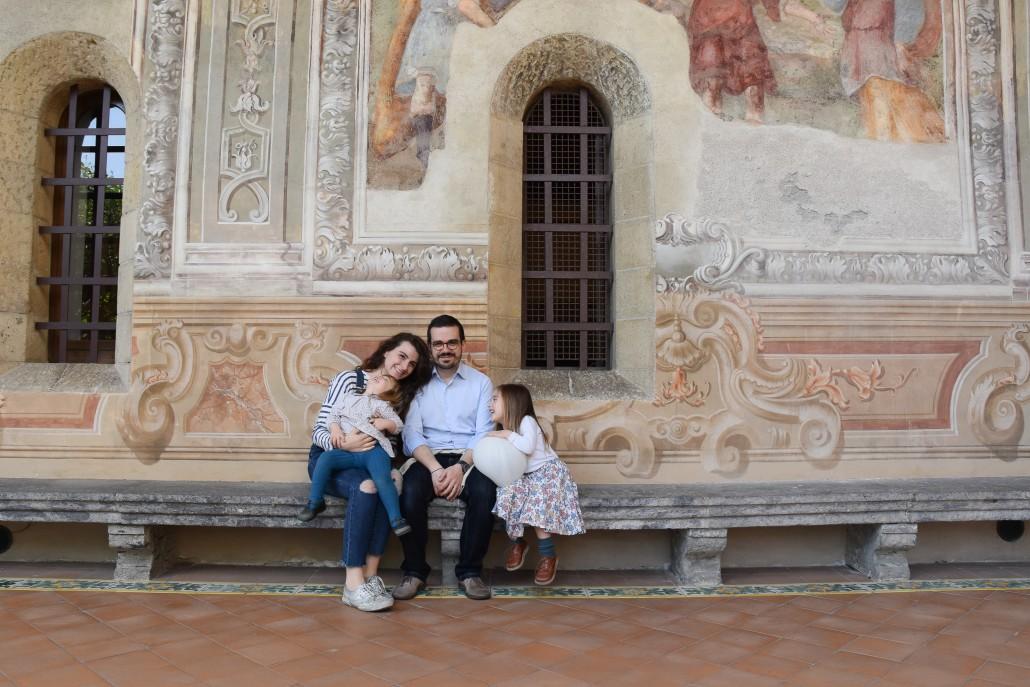famiglia_chiostro_santa_chiara_napoli