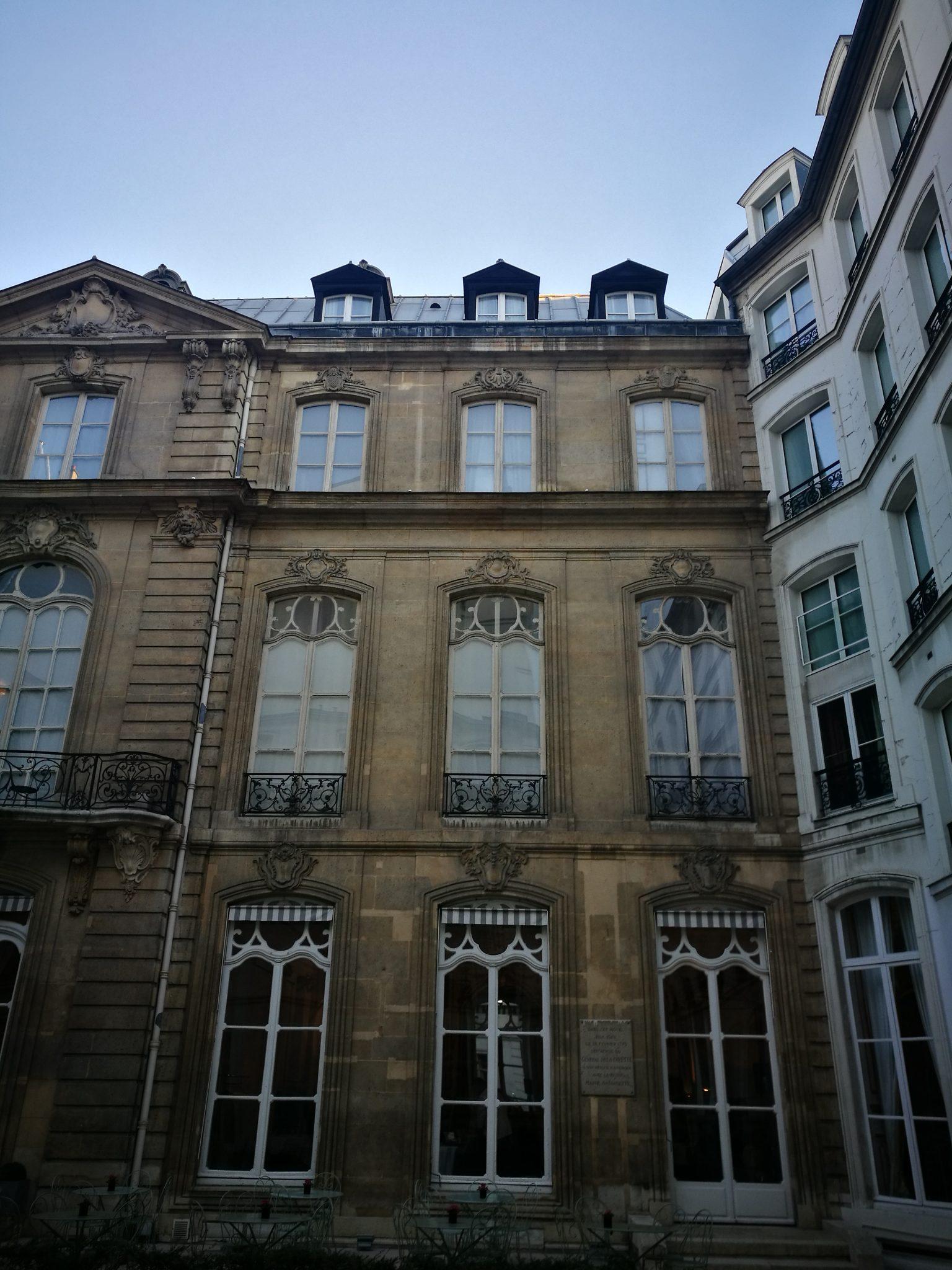 EFLUENT PARIGI