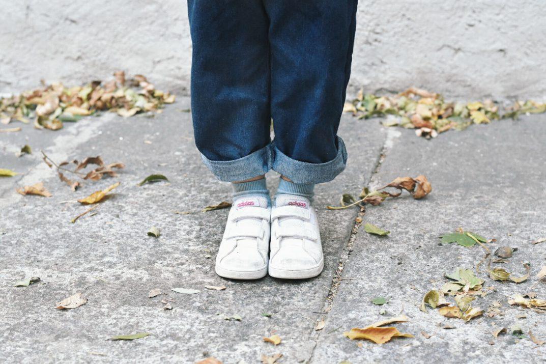 jeans bambini senza bottoni