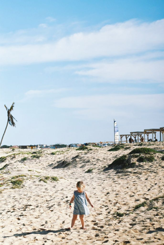 isola di sal a capo verde, dune di sabbia sul mare