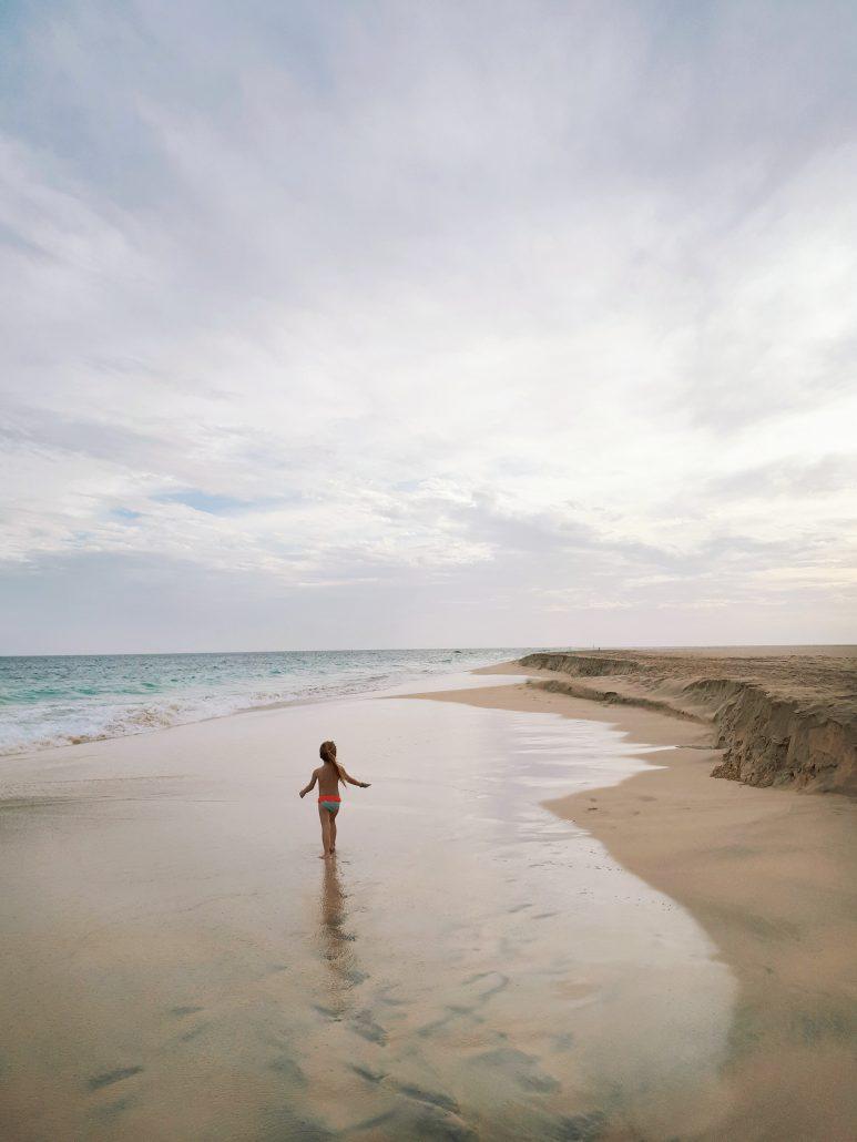 capo verde oceano e spiaggia di sabbia