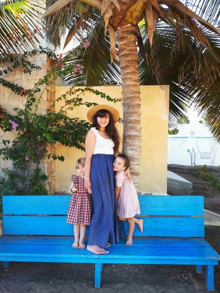 famiglia in vacanza a capo verde nel resort crioula