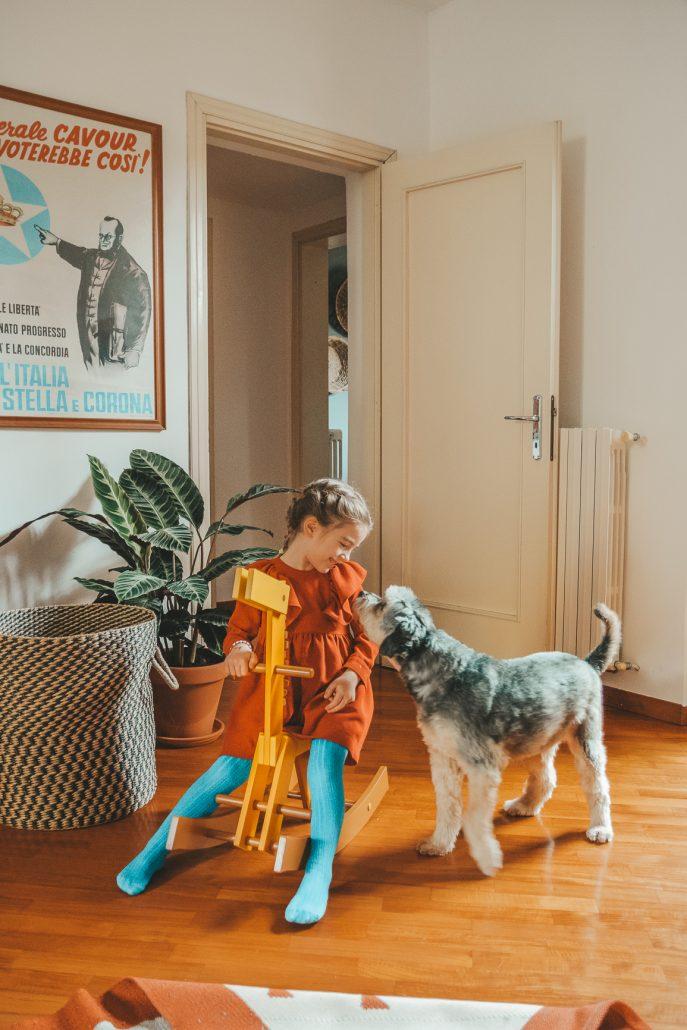 cavallo-a-dondolo-in-legno-cavalcabile-bambini