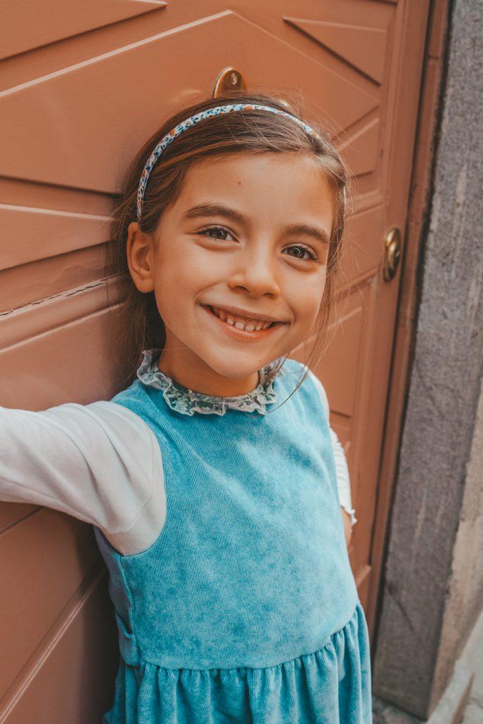 crochette milano abito azzurro e maglietta in tessuto liberty per bambina ade in italy