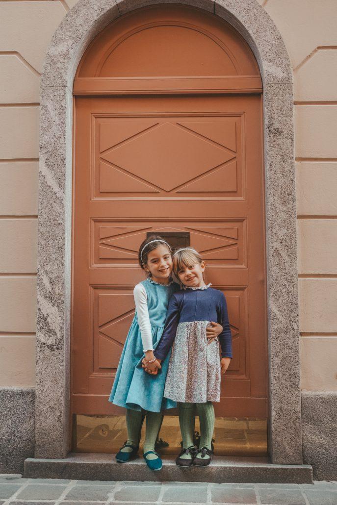 crochette milano bambine indossano abiti sartoriali